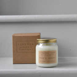 soy candle - pear and freesia
